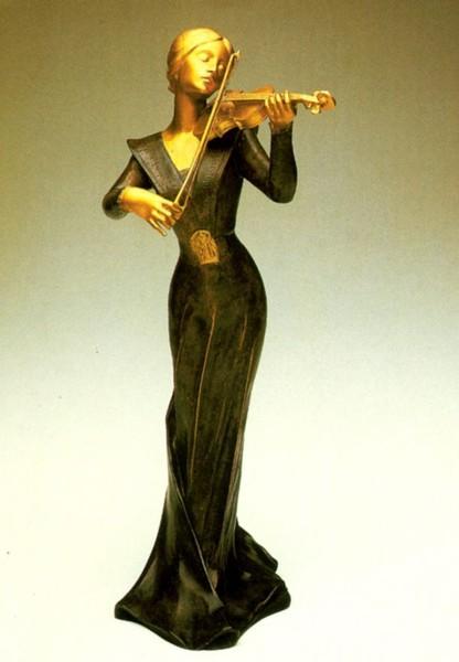 Фото Бекер, Эдмон-Анри    Скрипачка, позолота, патинированная в коричневый тон бронза