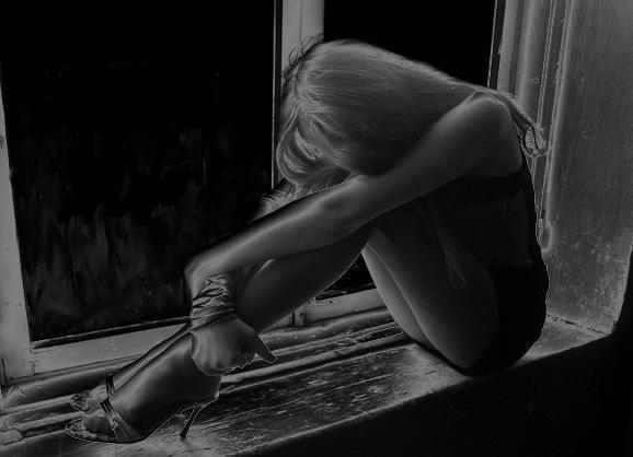 плачущие картинки на аву: