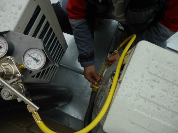 Как проверить герметичность кондиционера в машине своими руками приора 17
