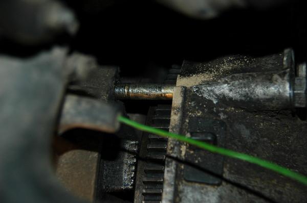 КПП можно держать при помощи буксировочной ленты, но лучше в дополнение положить её на перевернутую подставку (ещё...