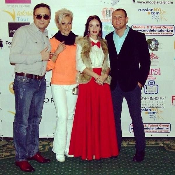 Степан Меньщиков с женой на дне рождения Вадима Хусаинова: фото