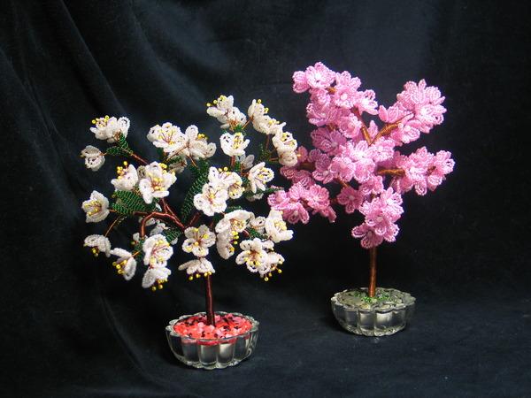 цветущие деревья из бисера, и бисерные растения фото, деревья из бисера мастер класс фото . предлагаем вам сувенирные...