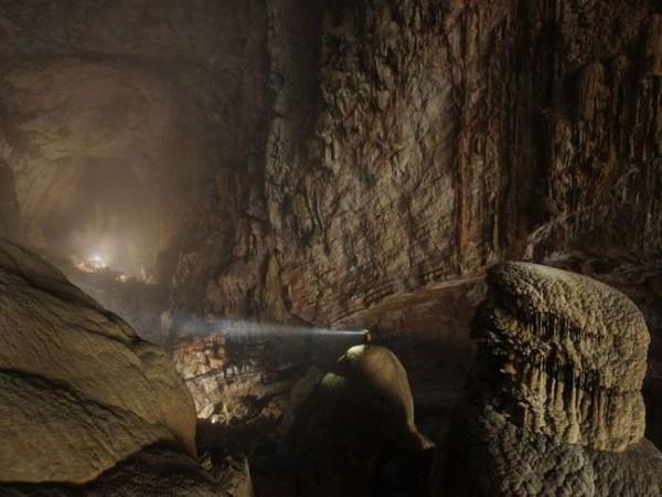 Смехота-23 красивая огромная пещера