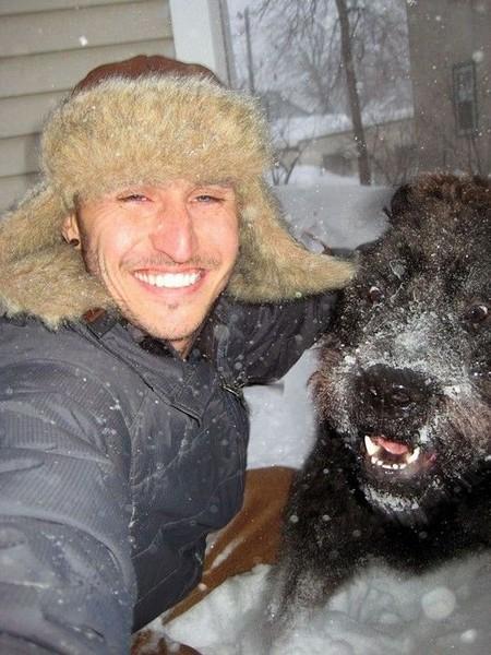 Смехота-23 Чувак развлекается со своей собакой