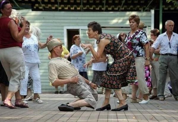 Смехота-23 Старик отжигает на танцах