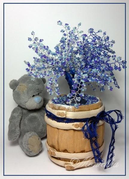 Дерево бисерное синее