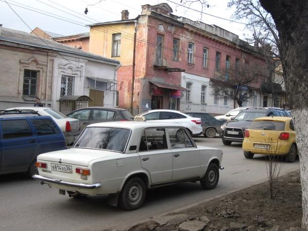Желтый цвет такси Ставрополья I-360