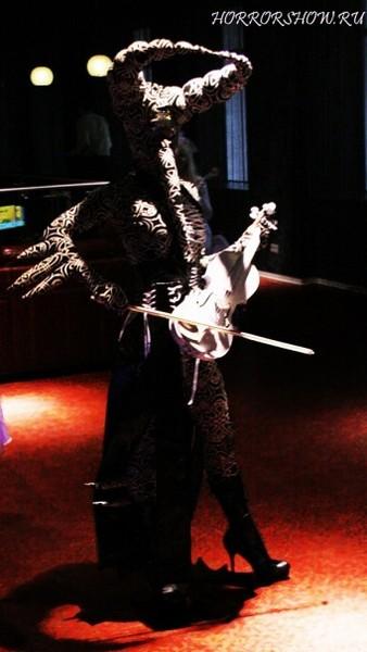 """Фото """"демон и скрипка"""""""