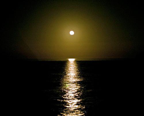 """Лунная дорожка, ночь, вода, река, море, дорожка, луна.  Оригинал схемы вышивки  """"Лунная дорожка """" ."""