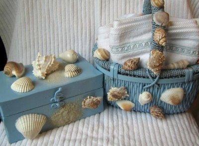 Ракушки можно сверлить, клеить, колоть, расписывать, использовать как готовые изделия, резать по ним, красить и т.п...