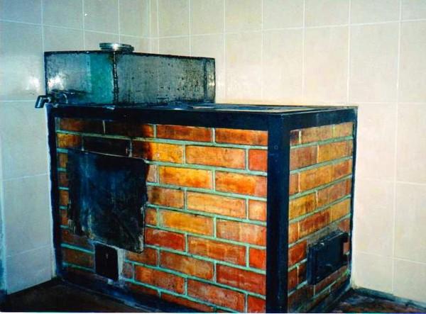 Как построить печь с грубой в доме