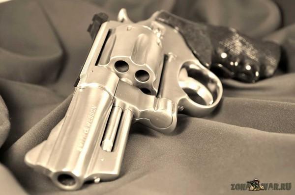 револьвер 3