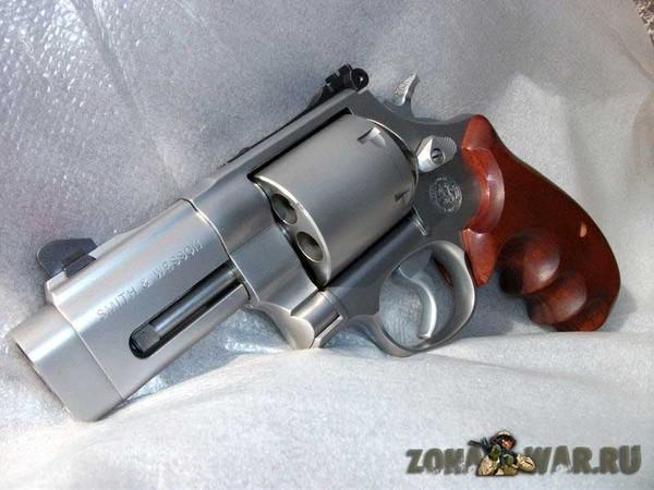 револьвер 8