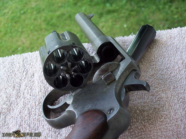 револьвер 404