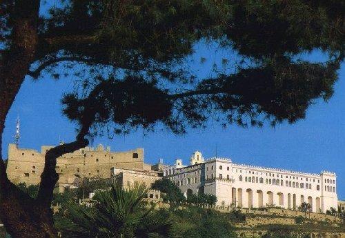 Обитель Сан Мартино на холме Вомеро