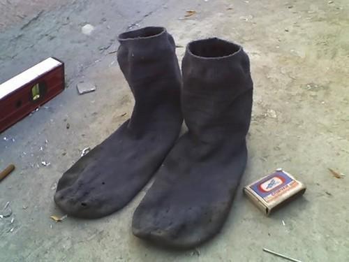 Потные носки