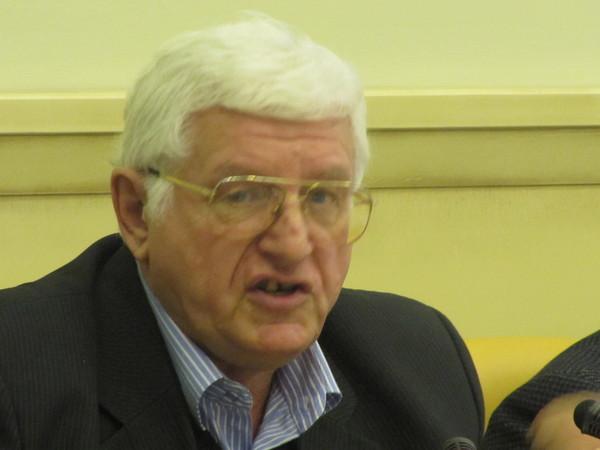 Комаров Юрий Михайлович