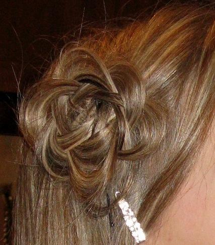 Сделать цветы из волос из