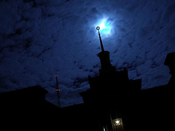 Ночной Луганск 2 (фото) .