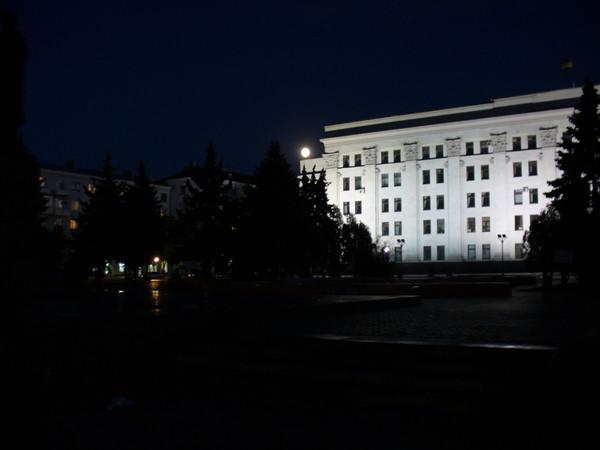 Ночной Луганск 4 (фото) .