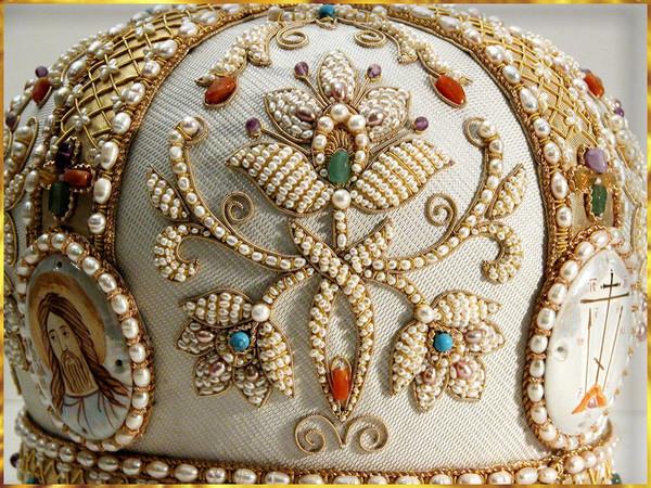 Шитые золотом византийские