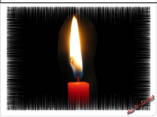 В далеком окне мерцает свеча,<br /> Пылает в ночи прохладной душа.<br /> Бессмертна она и так горяча,<br /> К окну подступает тихо дыша.<br /> <br /> Вдруг звон осколков в свете лучей<br /> Развеет дыханье немых миражей.<br /> Обнимут пальцы слепой огонек<br /> И станет он близок, коть был так далек.<br /> <br /> Согретые вены, согрета ладонь,<br /> И с новою силой вспыхнет огонь!<br /> Искры осветят взмывая лицо,<br /> Рассвет в мир придет и исчезнет окно.<br /> <br /> Без рамок и окон вспомни себя,<br /> И в сердце твоем зажгется заря,<br /> Бескрайние степи в нежных цветах,<br /> И память о хладе развеется в прах.<br /> <br /> ©Amen Ur-Set, август 2008
