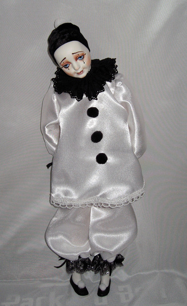 Кукла пьеро