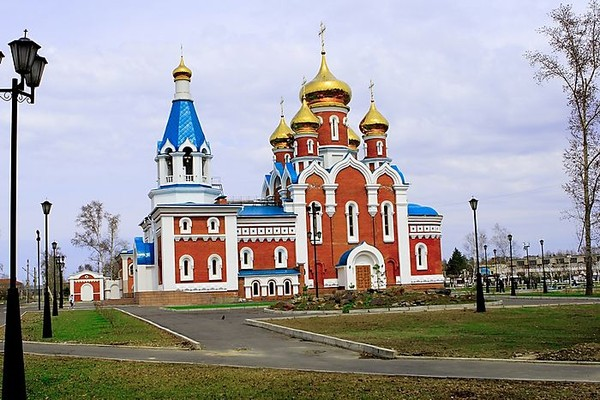 Храм Комсомольска-на-Амуре на пр. Ленина возле КнАГТУ.