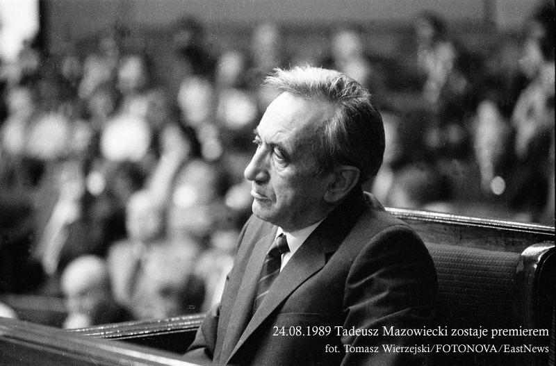 24.08.1989 Tadeusz Mazowiecki zostaje premierem fot. Tomasz Wierzejski/FOTONOVA/EastNews