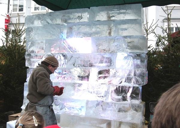 Скульптор по льду