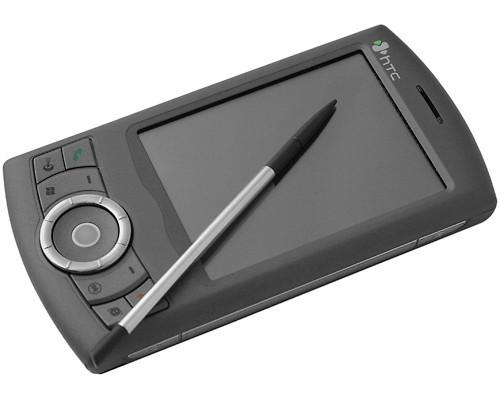 HTC Artemis P3300.  Установил Garmin Mobile XT.  Работает на 5+.