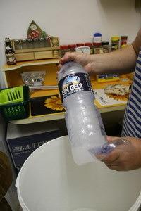 Охлаждение сусла бутылками со льдом