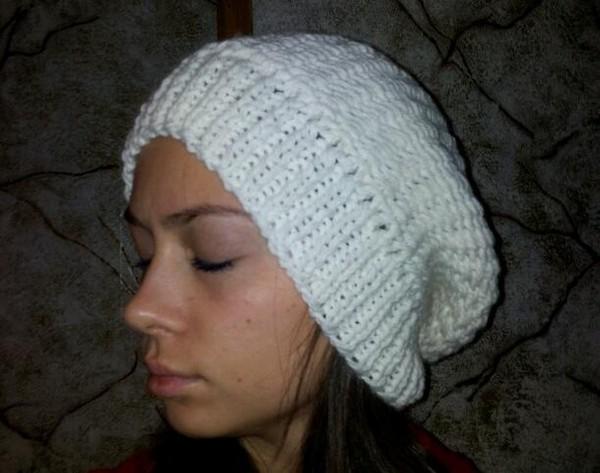 Нужна схема вязания шапки (крупной вязки) .
