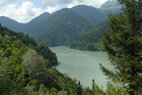 Новый афон озеро рица