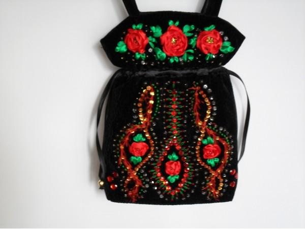 Ribbon embroidery bags make handmade crochet craft
