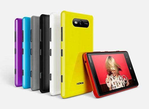 Lumia 920 и Lumia 820 - яркие новинки от Nokia