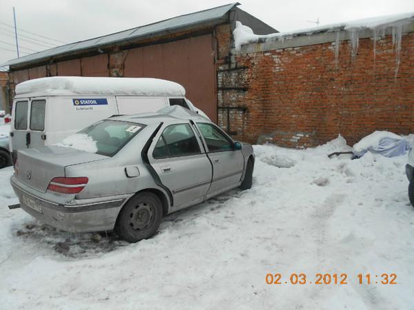 Бу запчасти Peugeot (Пежо) 406 седан 1.8 МКПП (рестайл) - правая передняя, задняя дверь, правый порог, лючок (крышка бензобака), молдинги, колеса (переднее, заднее)
