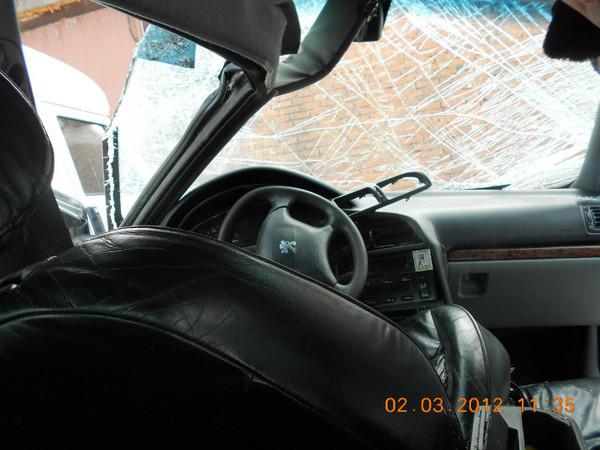 Бу запчасти Peugeot (Пежо) 406 седан 1.8 МКПП (рестайл) - подушка безопасности водителя (улитка) в руль.