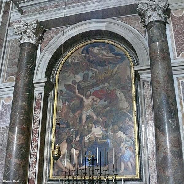 у гробницы Святого Петра