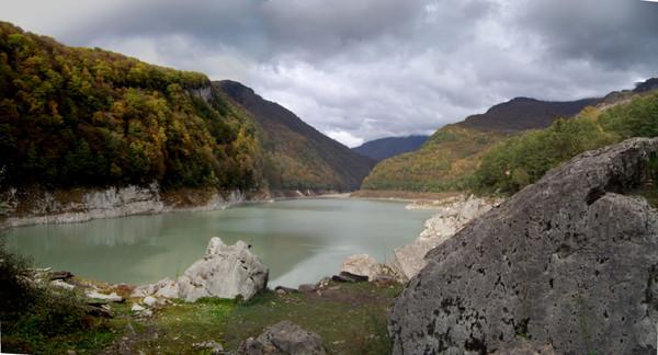 Озеро Амткел в ноябре