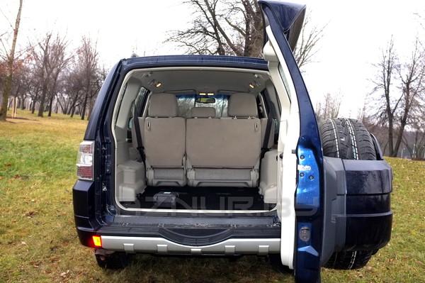 Багажнік Mitsubishi Pajero