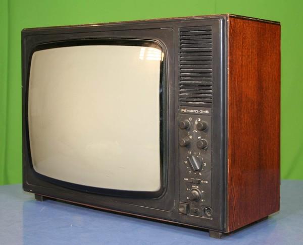 """унифицированный чёрно-белый лампово-полупроводниковый телевизионный приёмник.   """"Рекорд 345 """" ."""