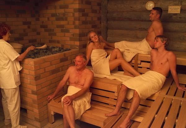 Любительсая съемка онлайн семья а швецкой бане фото 538-765