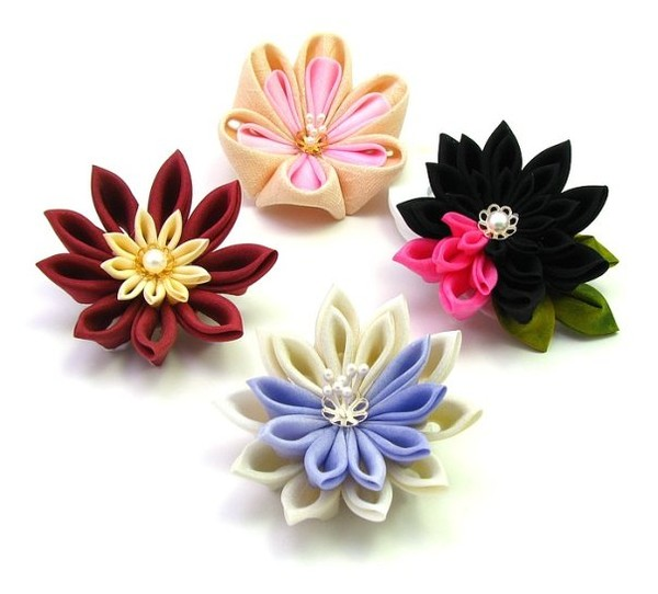 Канзаши цветы из лент мастер класс