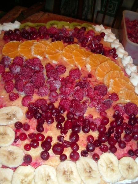 Все фрукты заливаем желе для торта по