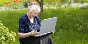 Пенсионерка с ноутом