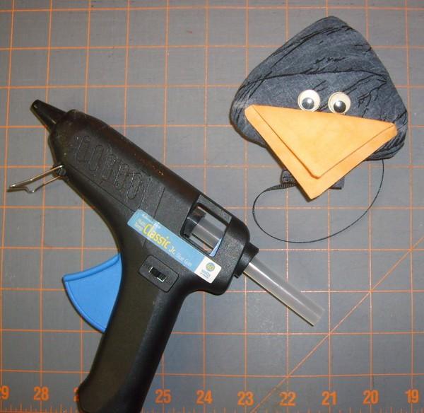 Как сделать клюв вороны из бумаги на голову - Самодельные