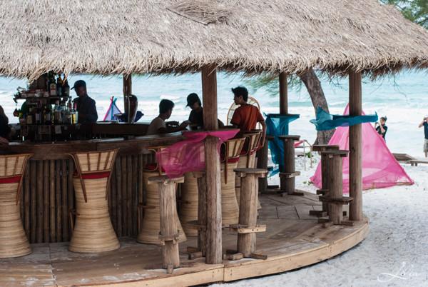 Koh Rong Samloem: The Beach Resort, бар
