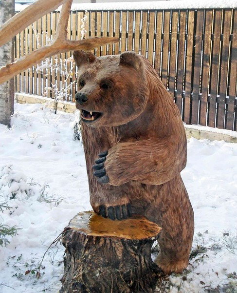 Медведи из дерева фото