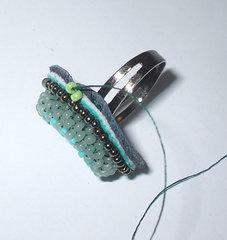 Вышитый браслет. как это делается. I-44412